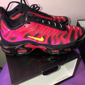 Supreme x Nike Air Max Plus men's size